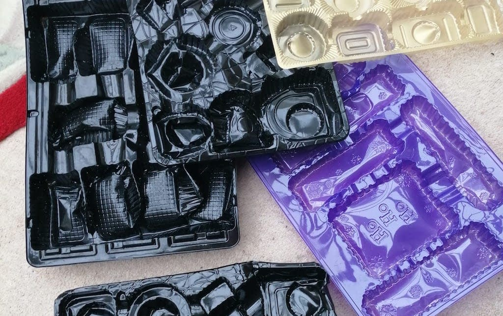 NO to Plastic Chocolate Trays