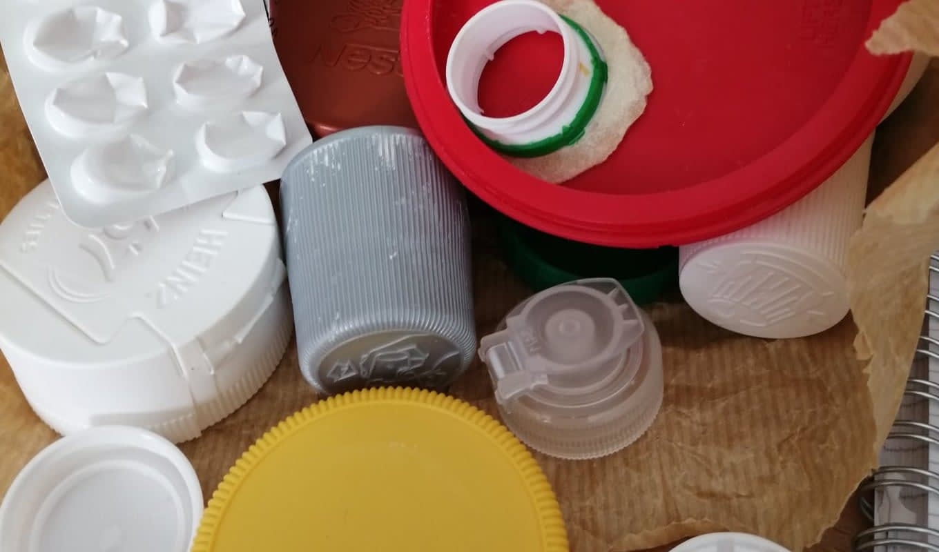 No to other plastic lids
